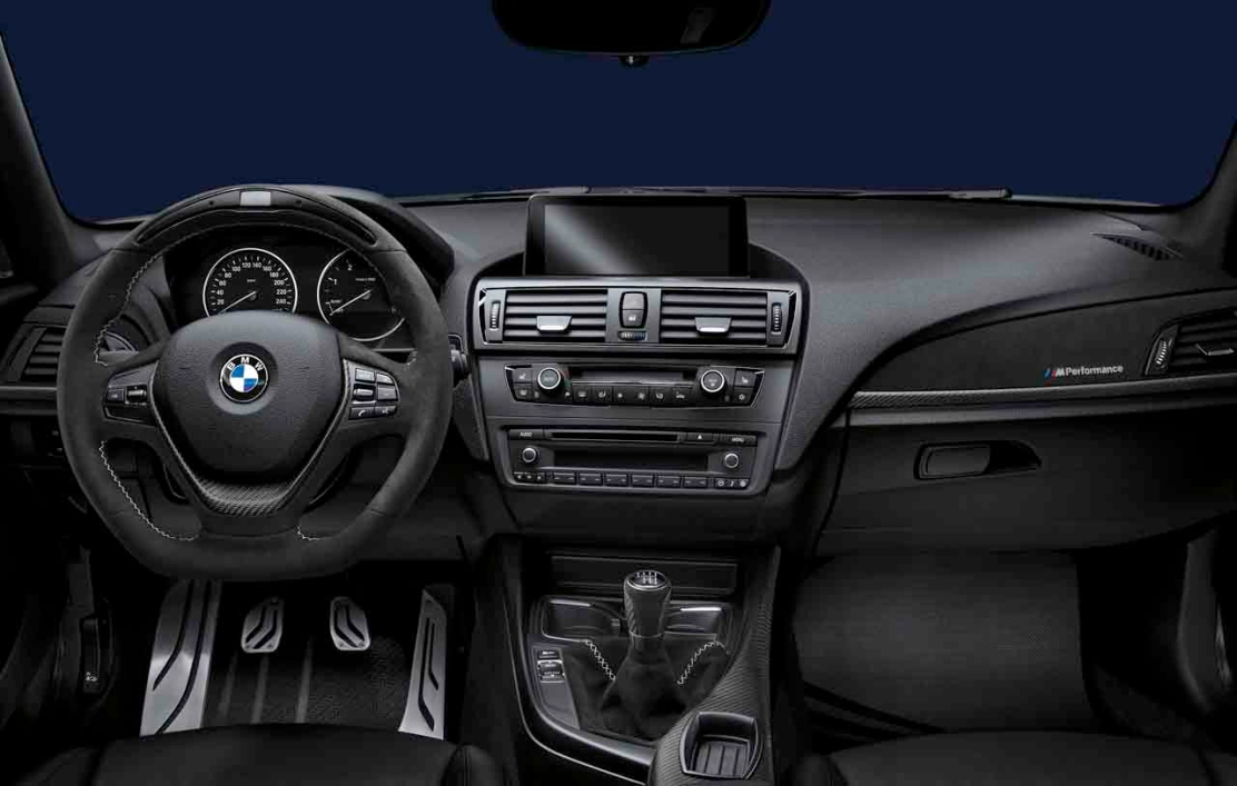 la bmw s rie 1 disponible avec un nouveau pack m. Black Bedroom Furniture Sets. Home Design Ideas