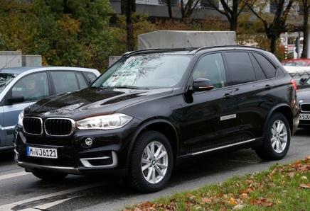 BMW poursuit le développement du X5 hybriderechargeable
