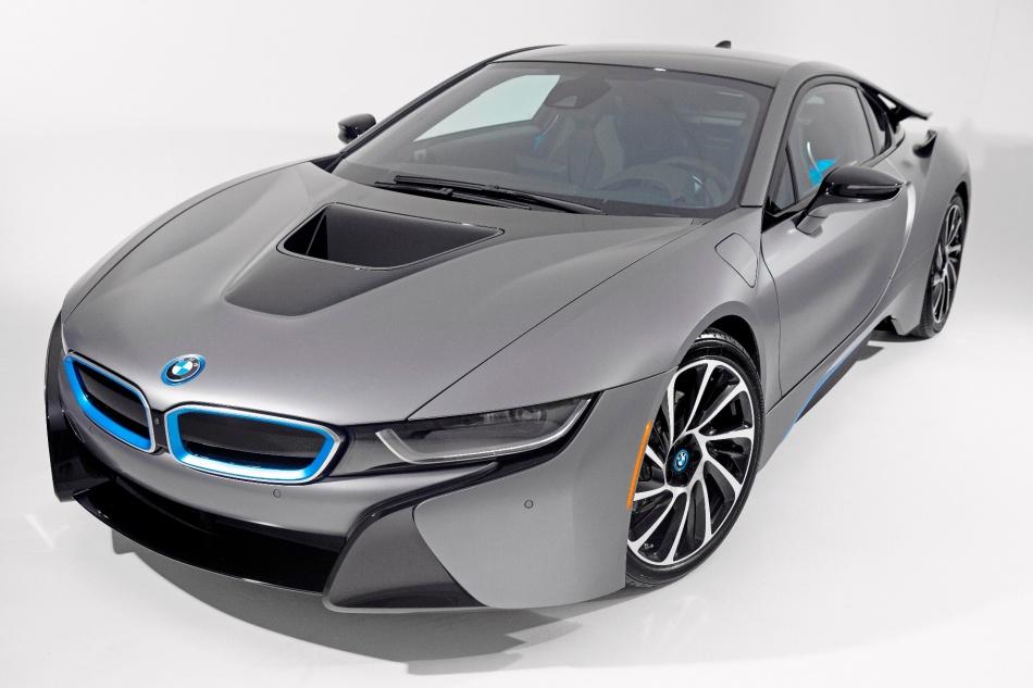 Un exemplaire unique de la BMW i8 vendu 825000$