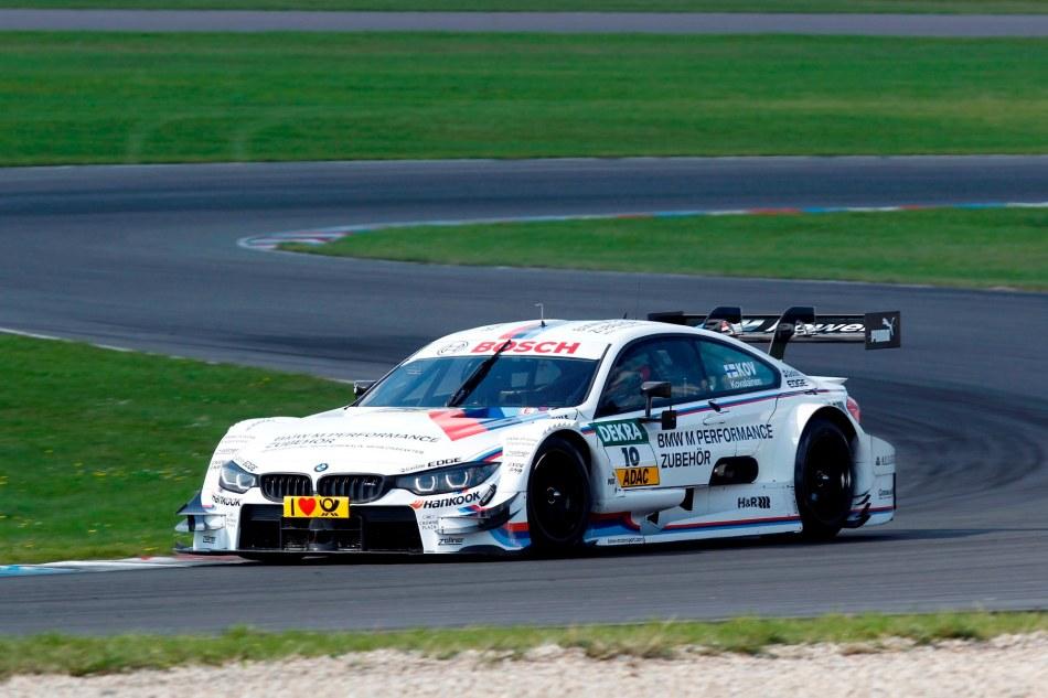 L'ex pilote de F1 Heikki Kovalainen teste la BMW M4DTM