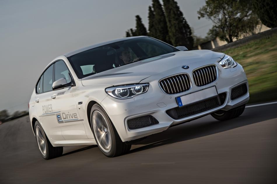 BMW présente l'hybride rechargeable du futur : 680 chevaux et plus de 1000 Nm decouple