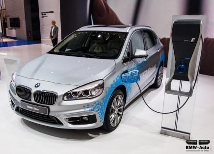 Francfort 2015 : la BMW Série 2 Active Tourer s'électrifie