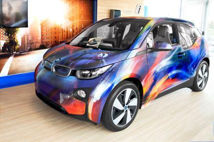 Une BMW i3 haute en couleurs!
